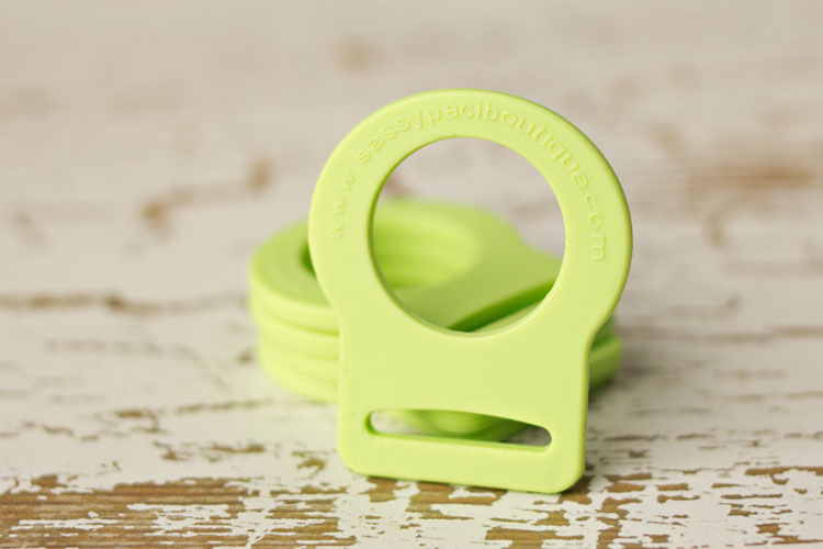 Adapter - Apple Green Button Pacifier Ring