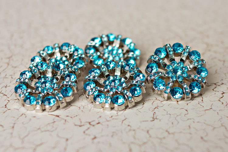 Lisa - Turquoise Rhinestone Button
