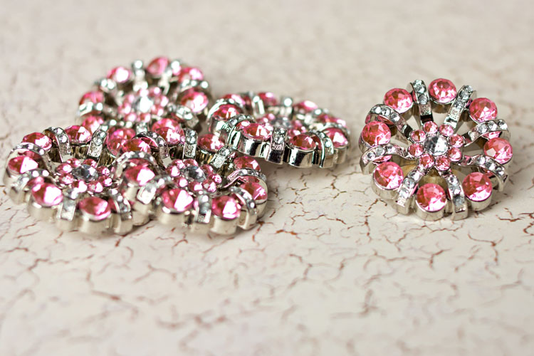 Lisa - Light Pink/Clear Rhinestone Button