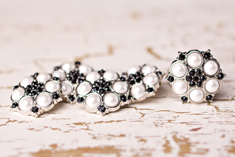 Abbey - White Pearl/Black Rhinestone Button