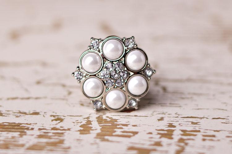 Abbey - White Pearl/Clear Rhinestone Button
