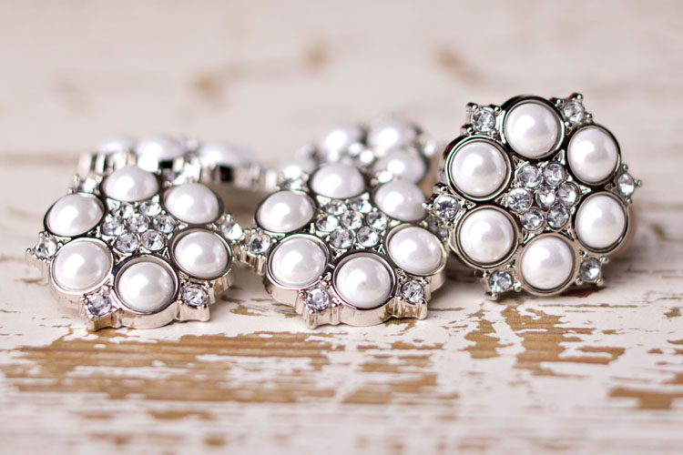 Abbey - White Pearl/Clear Rhinestone Button