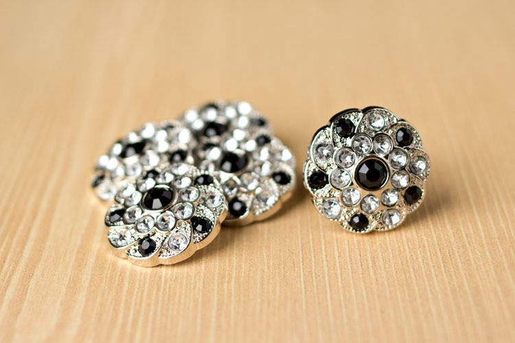 Shelley - Black/Clear Rhinestone Button